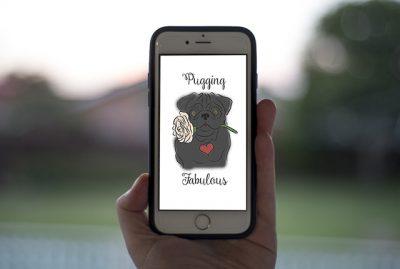 Pugging Fabulous Phone Wallpaper | www.thepugdiary.com